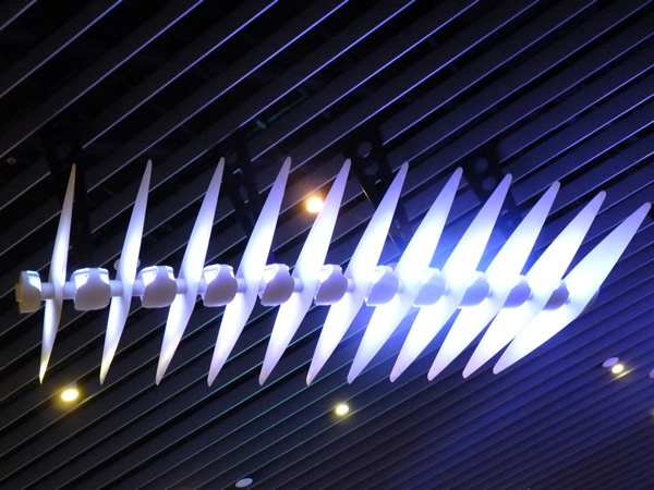 Melbourne Airport, Darryl Cowie Light Sculpture